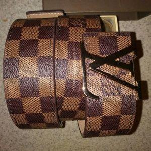 Louis Vuitton belt with dust box